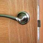 Jak i czym ocieplić drzwi zewnętrzne?