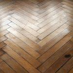 Podłogi w mieszkaniu – na co postawić?